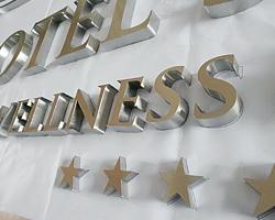 litery ze stali nierdzewnej litery logo dla hotelu recepcji