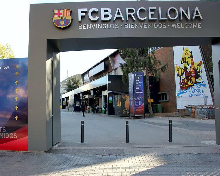 fc barcelona litery ze stali nierdzewnej polerowanej